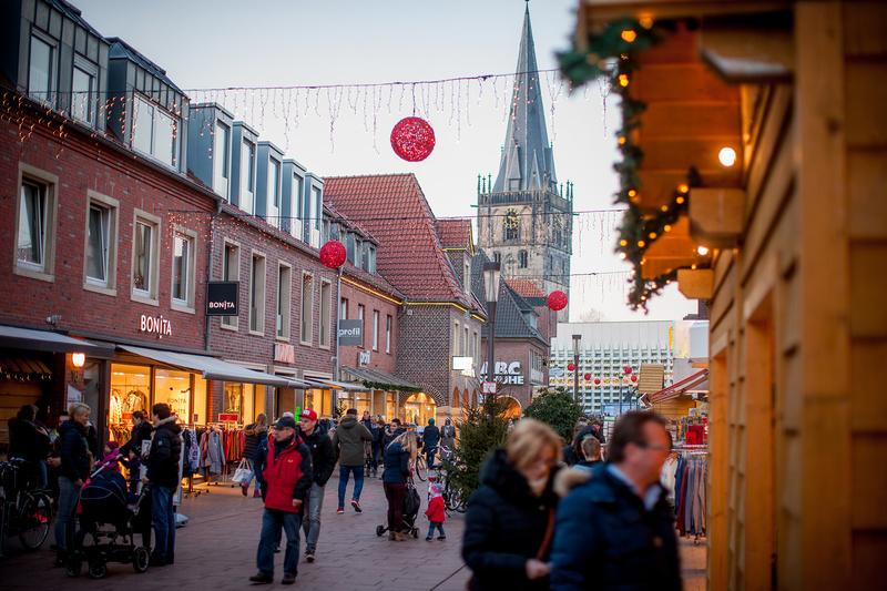 Außergewöhnliche Weihnachtsbeleuchtung.Verkaufsoffener Sonntag Am 9 Dezember Kann Stattfinden